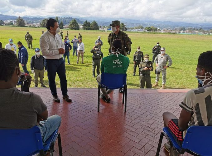Se desmovilizan más integrantes del ELN en el Cauca
