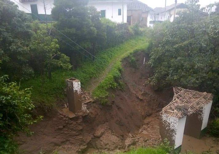 Emergencia en San Sebastián por desbordamiento de quebradas