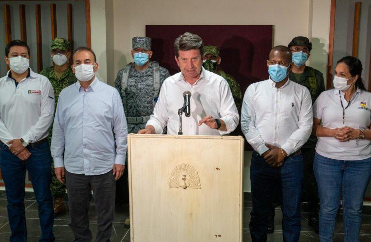 """""""No dejaremos que los narcoterroristas de las disidencias de las FARC amedrenten a la comunidad"""": Ministro de Defensa"""